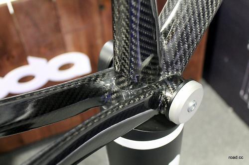 how to make a carbon fiber bike frame
