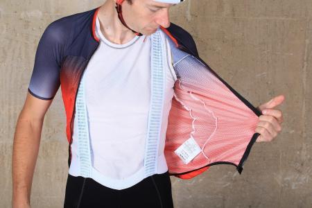 Sportful Super Total Comfort bib shorts - straps.jpg