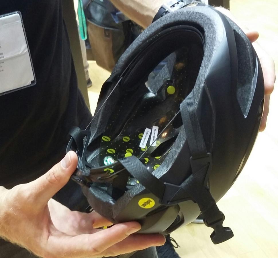 oakley helm aro