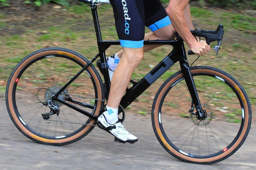 3T Exploro LTD - riding 3.jpg
