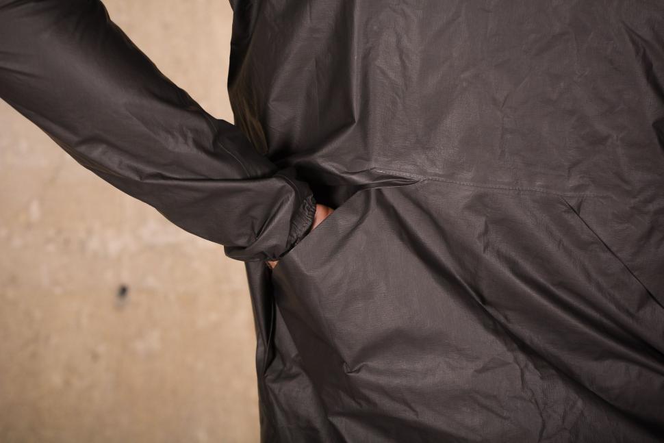 7Mesh Oro Jacket - pocket.jpg