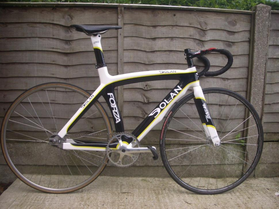 For sale: Dolan Forza Track Frame + Parts 800.00