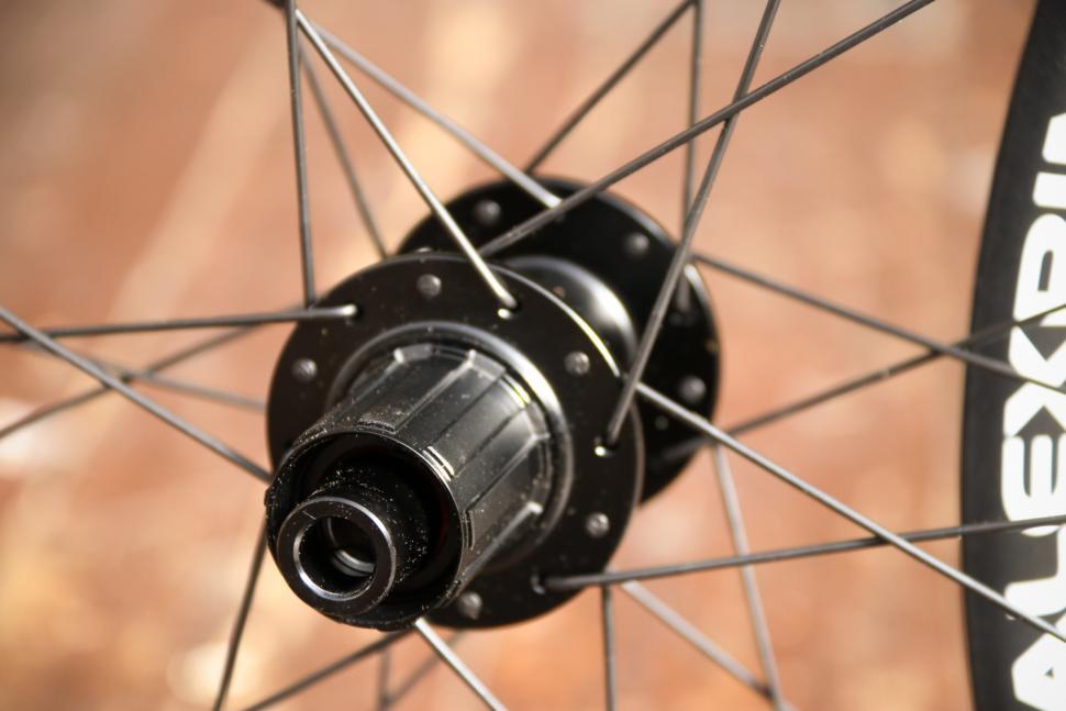 Alex Rims Alex CXD4 Road Disc Wheelset - rear hub 2.jpg