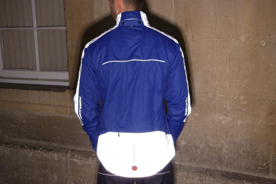 Altura Nightvision Evo 3 Waterproof Jacket - reflective 2.jpg
