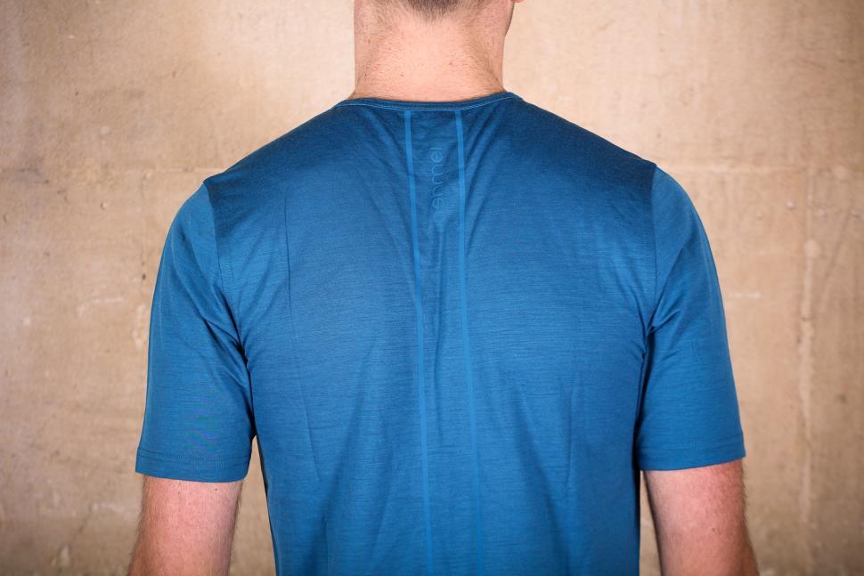 ashmei Men's T-Shirt - shoulders.jpg