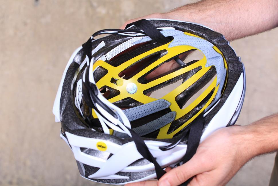Bell Gage Mips Helmet - inside.jpg