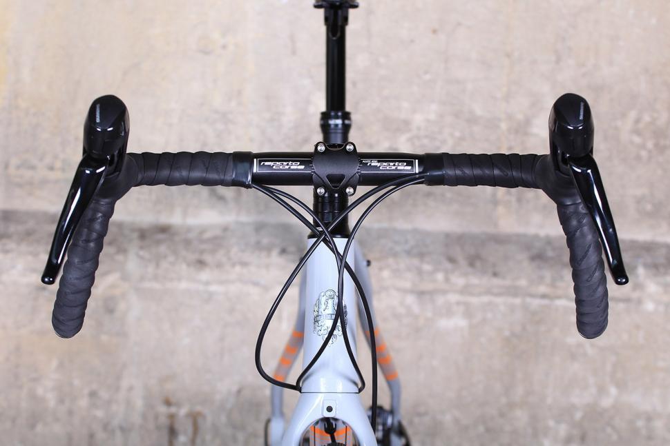 Bianchi Allroad - bars.jpg