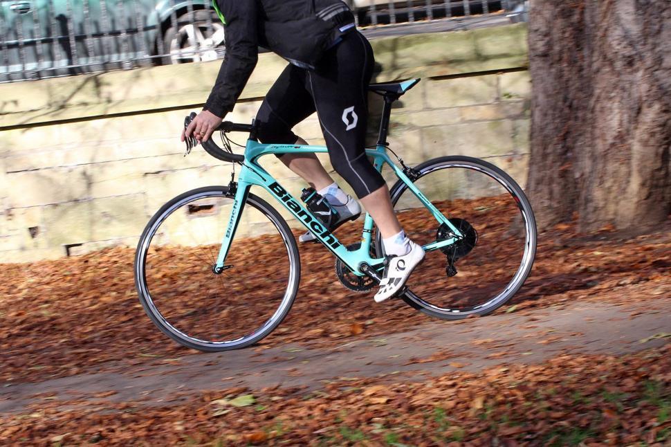 Bianchi Infinito CV Potenza - riding 4.jpg