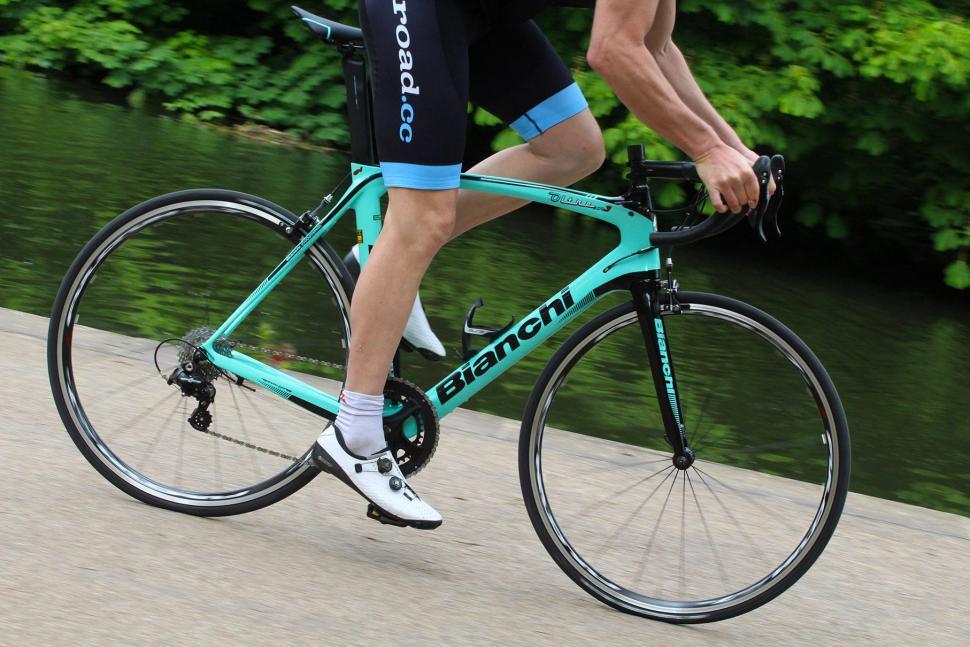 Bianchi Oltre XR3 - riding 1.jpg