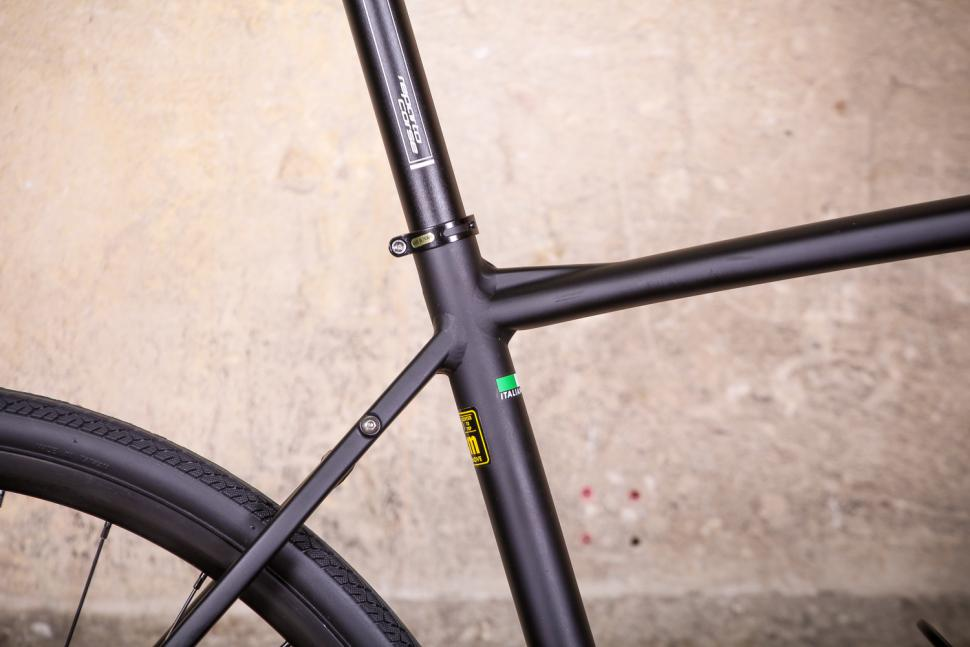 bianchi_via_nirone_7_all_road_-_seat_tube_junction.jpg