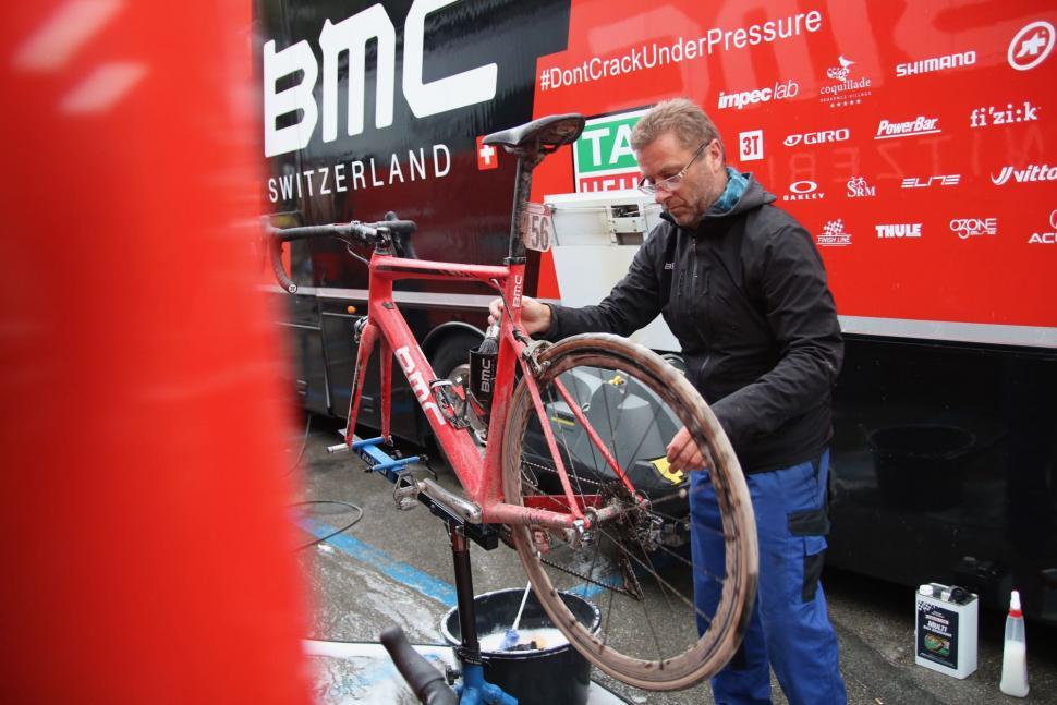 bike cleaning - 1.jpg