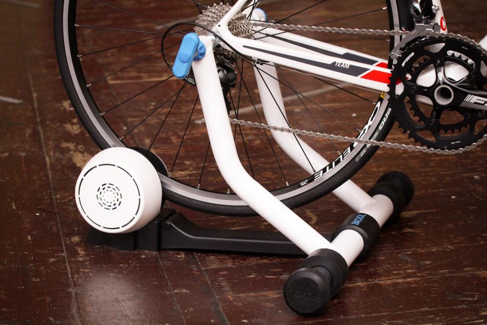Bkool Smart Pro 2 - bike mounted 4.jpg