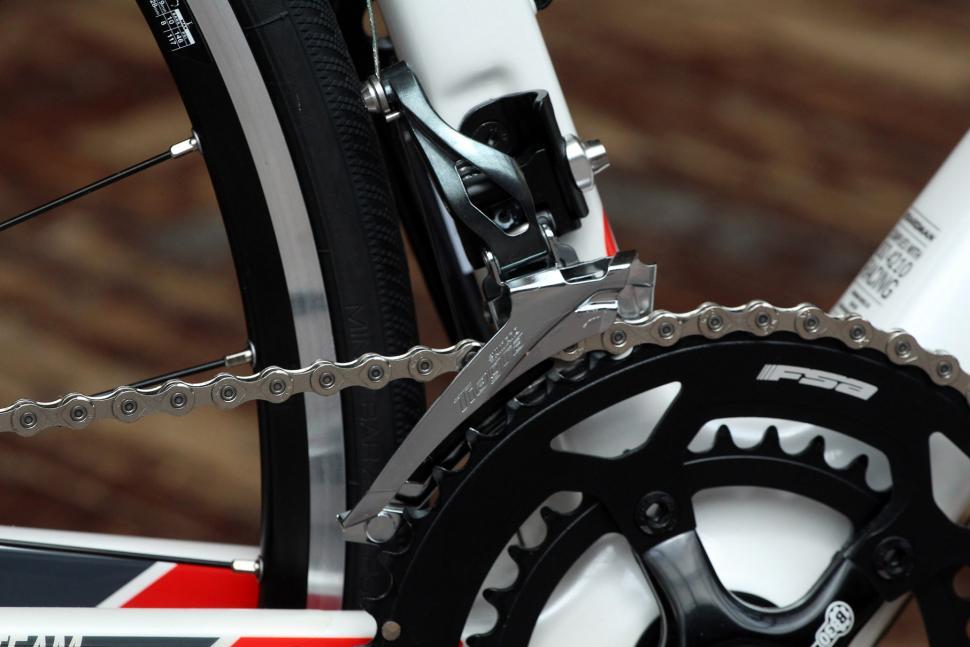 Boardman Road Team Carbon - front mech.jpg