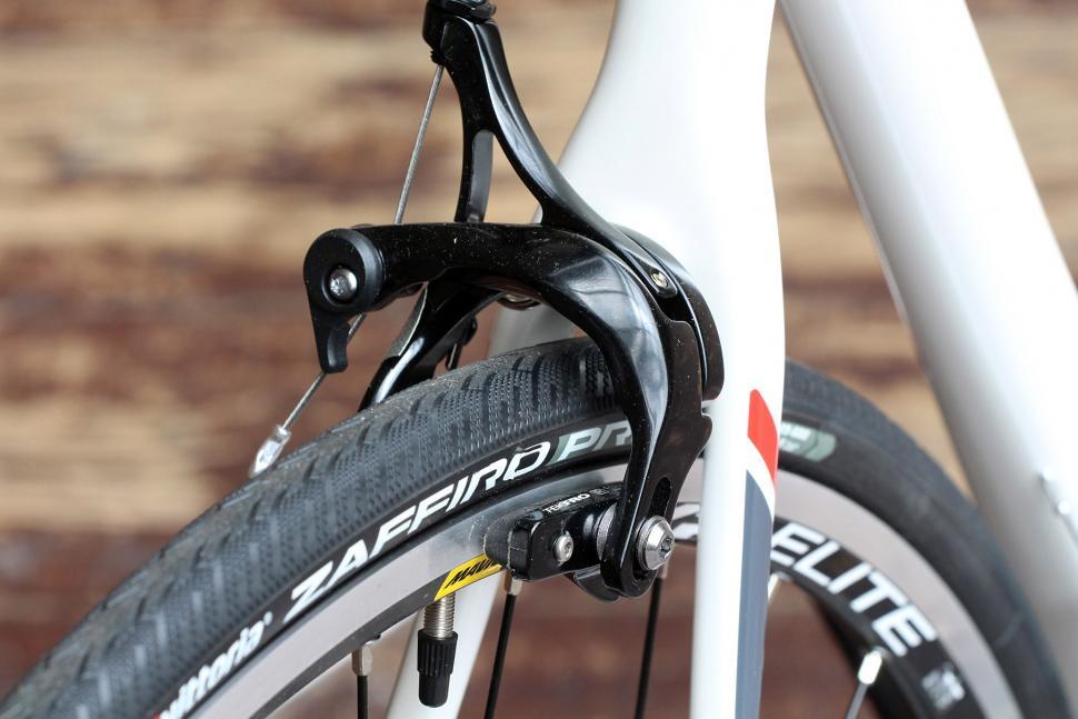 Boardman Road Team Carbon - rear brake.jpg