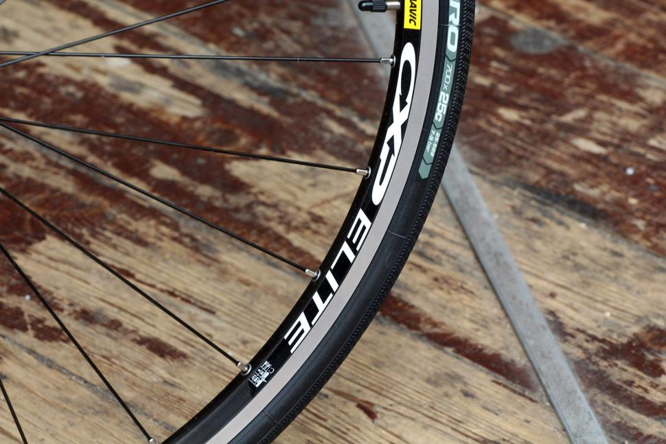 Boardman Road Team Carbon - rim.jpg