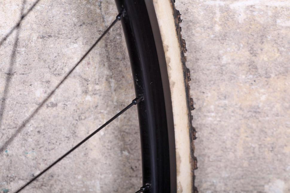 BORG22T Wheels - rim.jpg