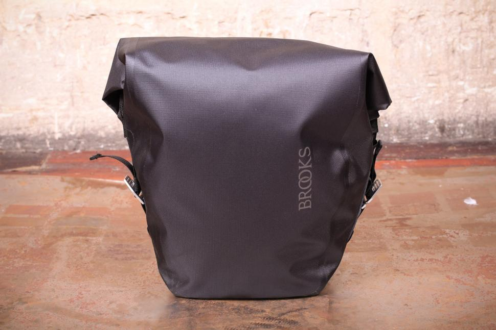 Brooks Land's End Rear Pannier.jpg