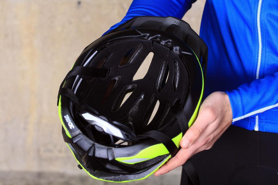 BTwin 500 Bike Helmet - inside.jpg