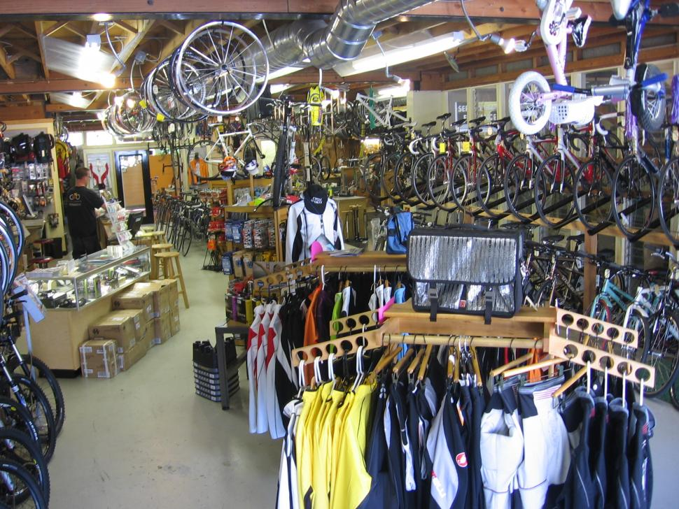 Bike shop interior (CC BY-ND 2.0 jun.skywalker:Flickr).jpg