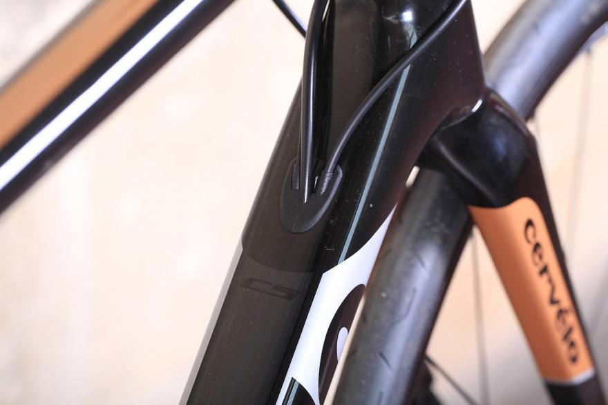 cervelo-c5-cable-route.jpg