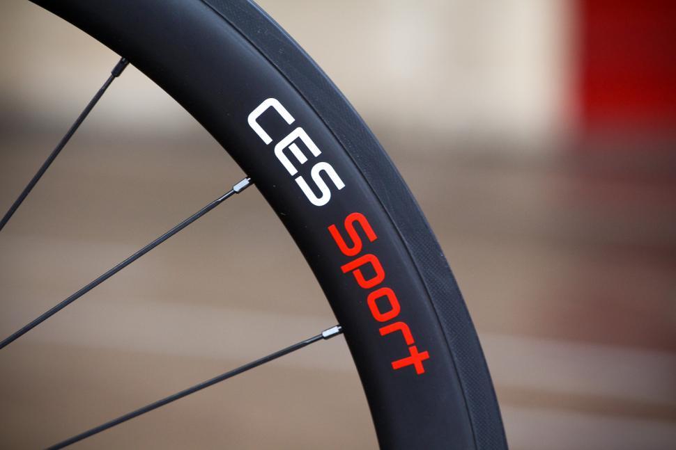 CES Sport RC50 Clincher Wheelset - rim detail 2.jpg