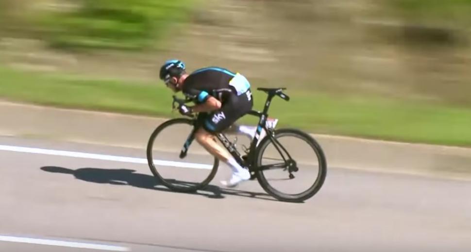 Chris Froome descending (via YouTube).jpg