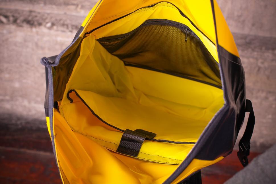 Craft Cadence Cadence backpack - inside.jpg