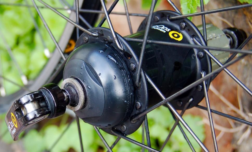 CycleOps PowerTap G3 alloy wheelset - hub detail.jpg
