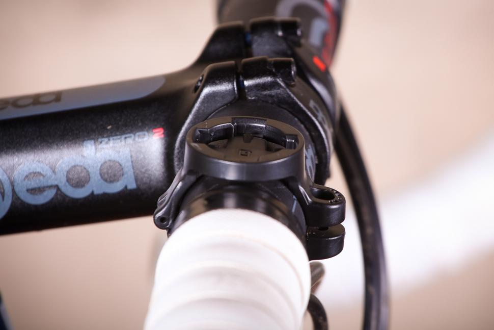 Cycliq Fly12 HD Camera and Front Light - clamp.jpg