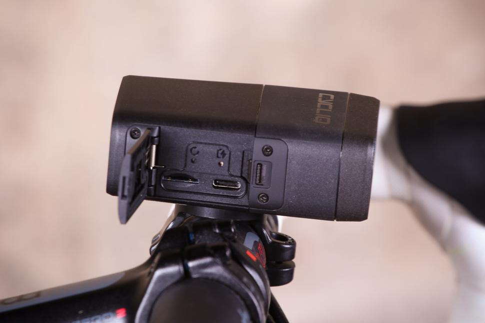 Cycliq Fly12 HD Camera and Front Light - ports.jpg