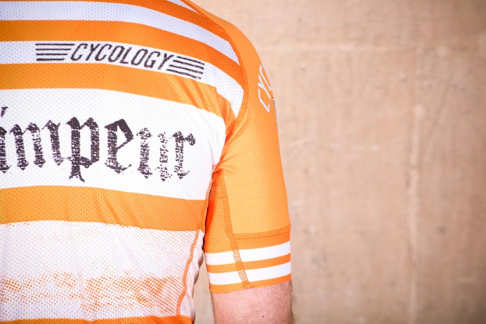 cycology_vintage_grimper_mens_cycling_jersey_-_sleeve_2.jpg