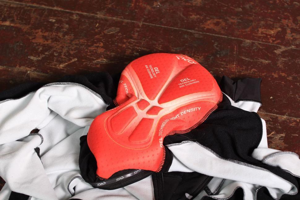 Ekoi Thermal Ekoi Suit Aerocomp - pad.jpg
