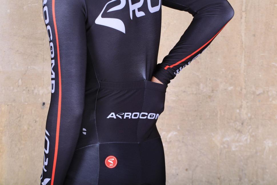 Ekoi Thermal Ekoi Suit Aerocomp - pockets 2.jpg