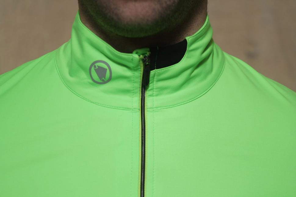 Endura FS260 Pro SL Classics Jersey - collar.jpg
