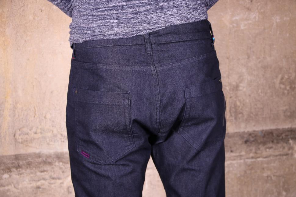Endura Urban Jean - back pockets.jpg