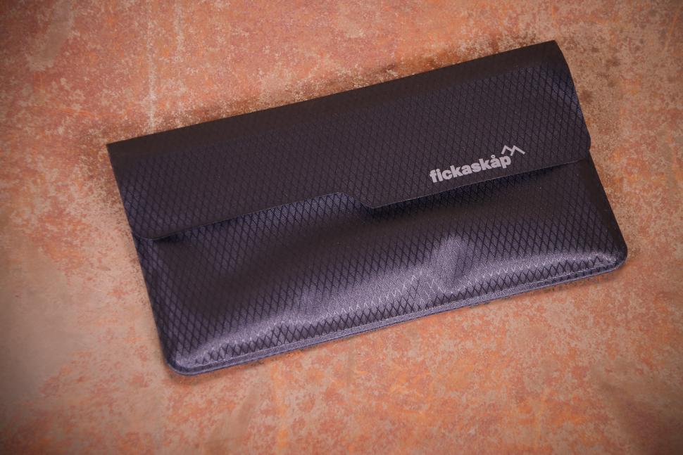 fickaskap Waterproof Phone and Valuable Wallet - back.jpg