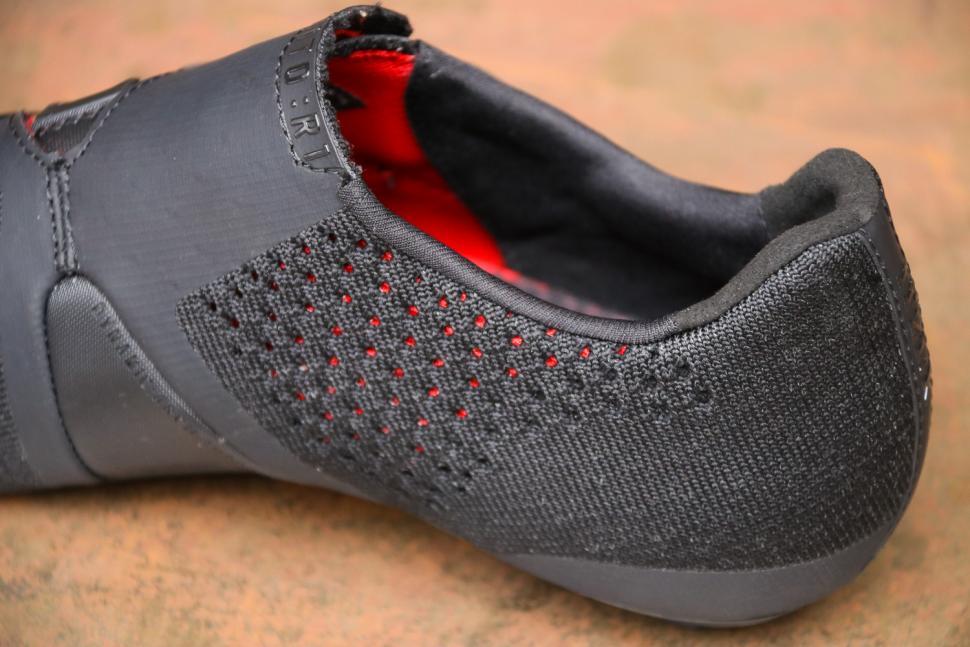 Fizik R1 Infinito knitted - detail.jpg