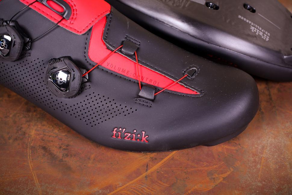 Fizik R3 Aria shoes - toe.jpg