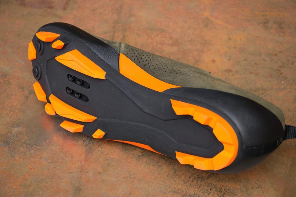 Fizik X5 Terra mtb shoes - sole.jpg