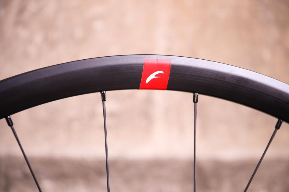 Fulcrum Racing 5 wheelset - rim 2.jpg