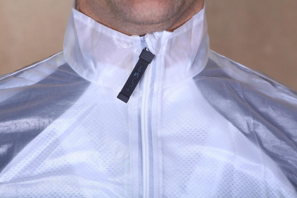 Funkier Evo WV-1504 WV-1506 Windbreaker Gillet - collar.jpg