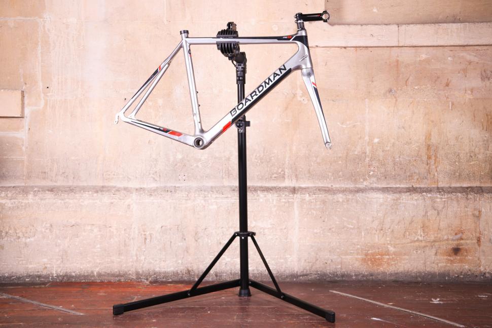 FWE Folding Workstand - with bike.jpg