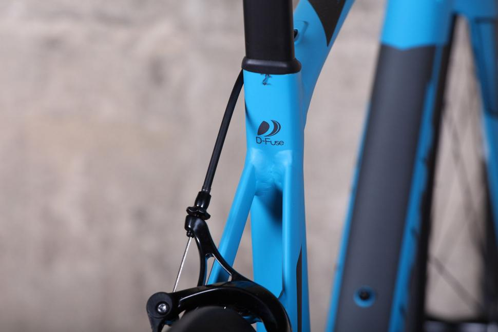 Giant Contend SL - seat tube detail.jpg