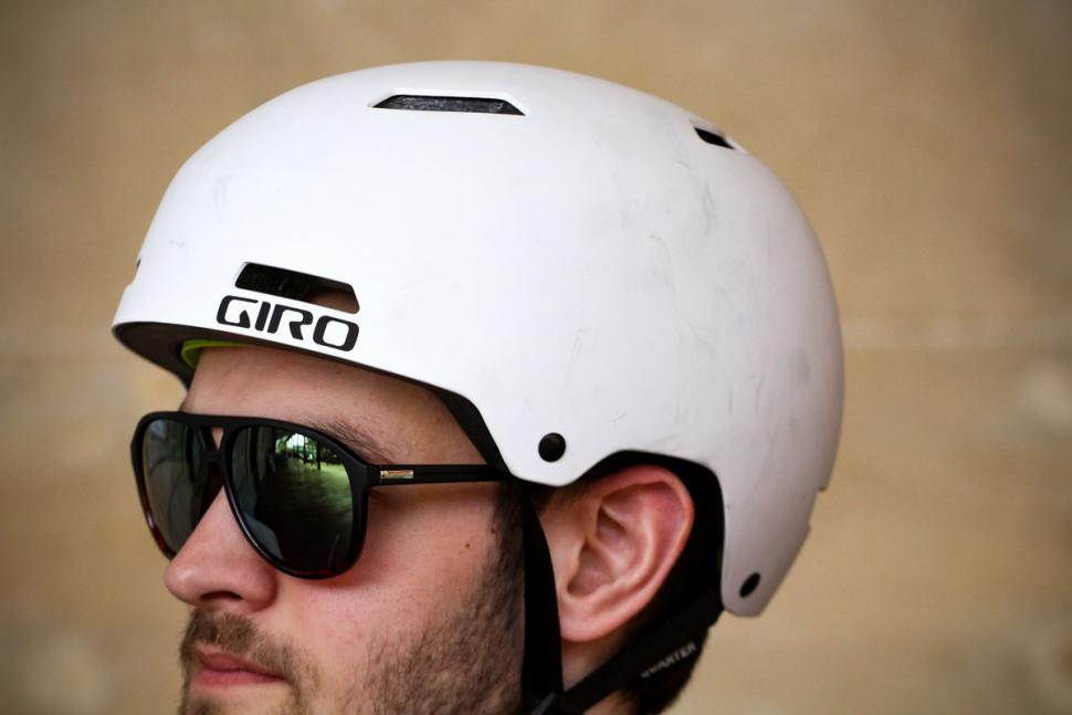 giro_quarter_helmet_-_side.jpg