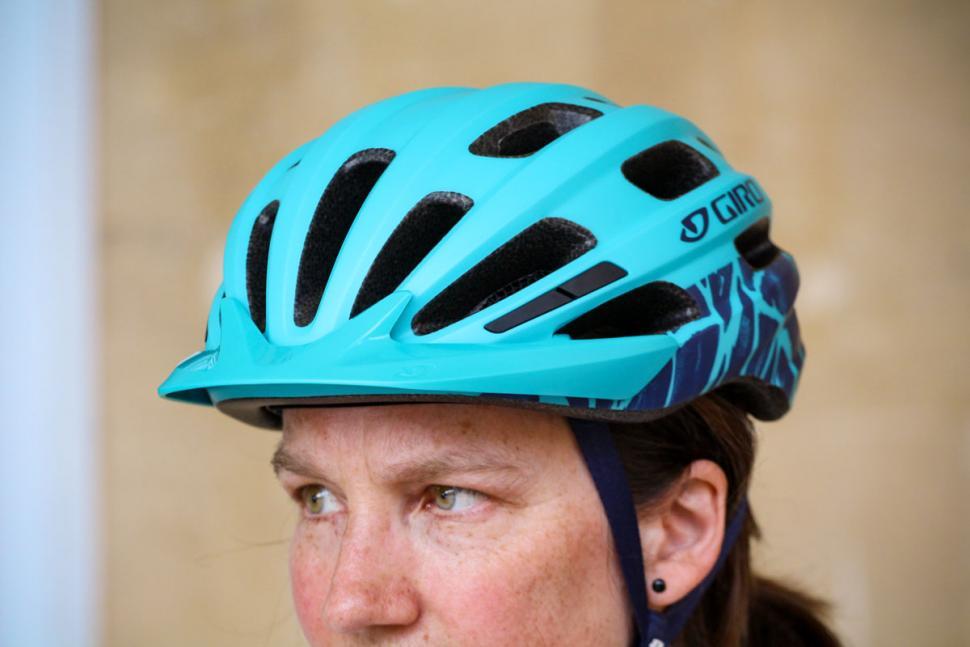 giro_vasona_mips_womens_helmet_-_with_peak.jpg