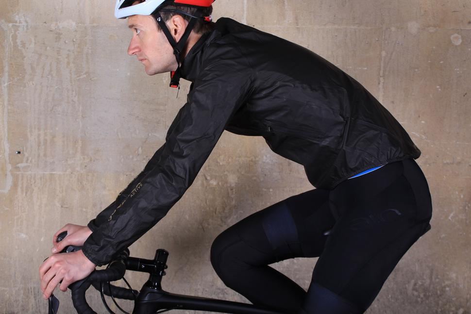 Gore Bike Wear ONE GORE-TEX Active Bike Jacket - riding.jpg