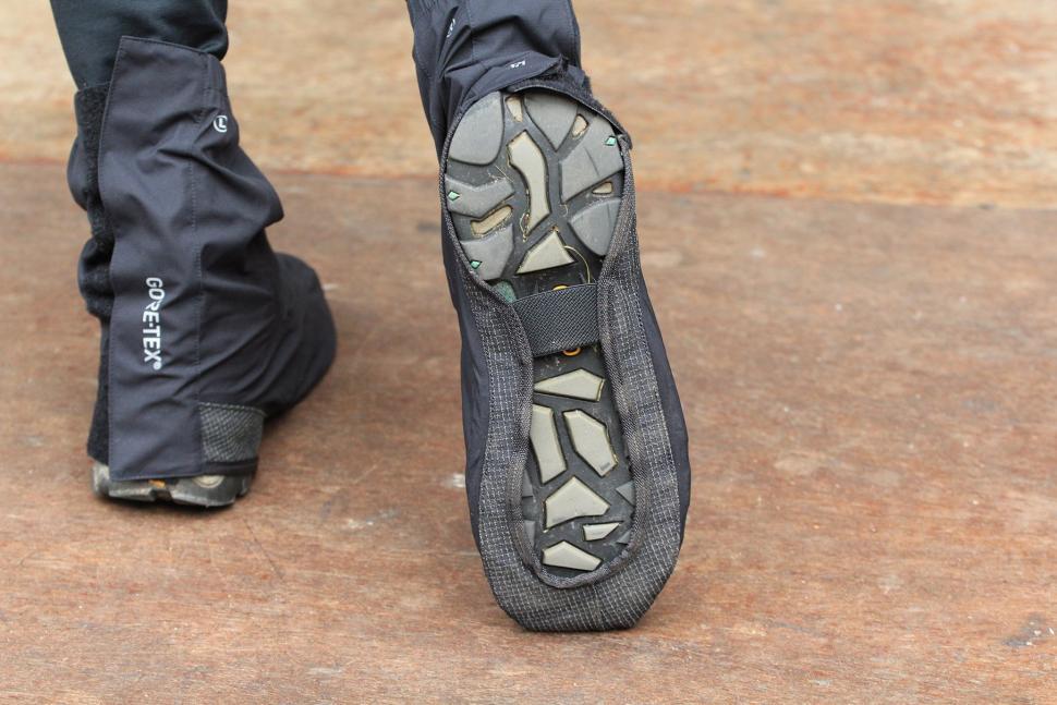 Gore Unisex Universal City Gore-Tex Overshoes - sole.jpg