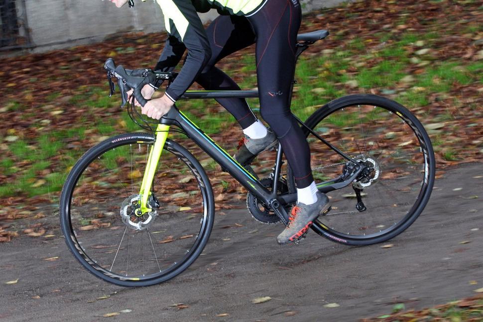 Grade Carbon Ultegra - riding 2.jpg