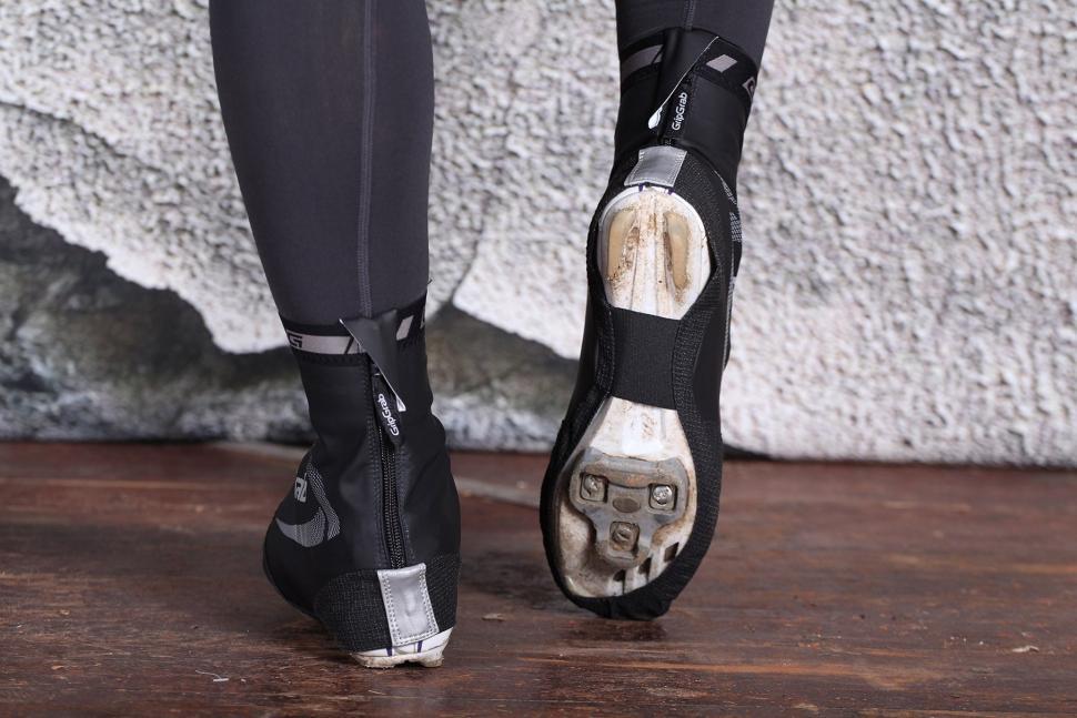GripGrab RaceAqua Black Overshoes - underside.jpg