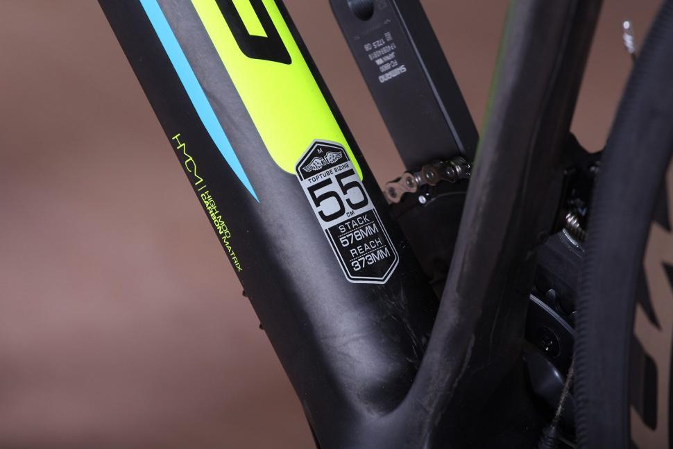 GT Grade Carbon Ultegra - frame detail 2.jpg